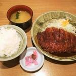 矢場とん - みそかつロースカツ定食1,100円