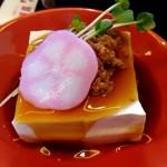 豆腐かふぇ 浦島 - 玉手箱ランチの豆腐の和風鶏そぼろ掛け