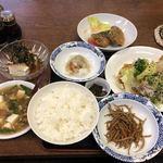 お食事処 白川大銀 - 豚しゃぶ、さば竜田揚げ、スープ煮、梅豆腐、しらすおろし、きんぴら、ライス