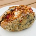 パン・ドゥ・マルシェ - キャベツとベーコンの柚子胡椒風味 197円