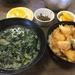 活魚料理 讃岐家 - 味噌汁が大きな方