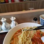 中国料理 香楽 - 麺は細くストレート