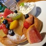 93197483 - ◆「たっぷりフルーツパンケーキ」