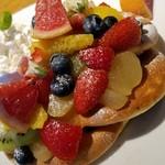 93197486 - ◆「たっぷりフルーツパンケーキ」