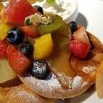93197506 - ◆「たっぷりフルーツパンケーキ」