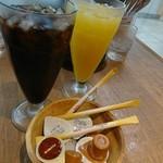 あるでん亭 - アイスコーヒー&オレンジジュース