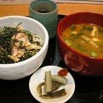 美噌元 - 大根菜と鮭の小どんぶりセット