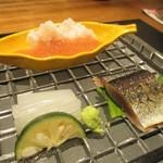 93200710 - 造り:鱧、剣先いか、新秋刀魚のお造り。      2018.09.21
