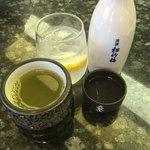 グルメ廻転寿司 まぐろ問屋  三浦三崎港 - 運転手はお茶ですが、皆様はアルコール