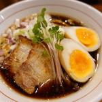 つけ麺 井手 - 北浜ブラック チャーシューまし、味玉