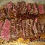 フィレ肉専門店 にくぞう - 焼き上がった黒毛和牛ヒレ