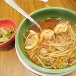 パパイヤリーフ - プレミアムコース トムヤムクン麺 サラダ