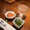 魚津群 ねんじり亭 - 料理写真:お通しと日本酒