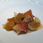 中華たかせ - つぶ貝と北寄貝の炒め 雲丹ソースあん