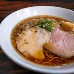 中華そば 梟 - チャーシューは鶏と豚。美味し。