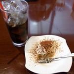イタリア食堂 パッシオーネ - ティラミス&アイスコーヒー