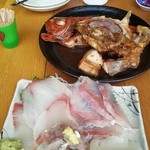 宵 - 煮魚のインパクト凄いけど、お刺身も美味しいんですよぉー