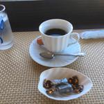 海辺の喫茶店 メイズ - ドリンク写真:コーヒー 300円