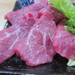 焼肉みよし - 米沢牛ロースのアップ