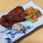 インド・ネパールレストラン ヒマラヤ - タンドリーチキンのアップ