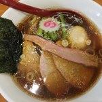 93233547 - 醤油中華そば、味玉入り、麺大盛り(930円)