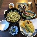 93234123 - 冷やしすだちそば、野菜の天ぷら盛り合わせ、サワラの味噌漬け西京焼き、にしんと茄子の炊き合わせ