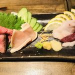 梅田東通り 肉寿司 - 刺身盛り合わせ