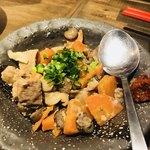 梅田東通り 肉寿司 - 塩もつ煮込み