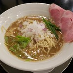 煮干し豚骨らーめん専門店 六郷 - 煮干し豚骨ラーメン 780円