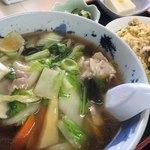重慶飯店 - 料理写真:五目ラーメンと半チャーハン
