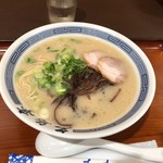 名島亭 - 長浜とんこつラーメン690円