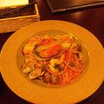 acero - あらかわしいたけと魚介のペスカトーレスパゲッティ