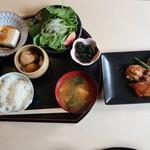 AZUMA - 鶏肉の照焼き定食