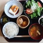 AZUMA - たくさんの小鉢のお膳