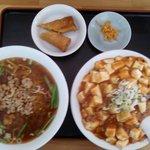 一龍 - 台湾ラーメン+麻婆飯のセットです。ピンボケして残念、、、