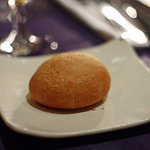 ブラッスリー・アダージョ - 自家製パン