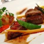 ブラッスリー・アダージョ - 十勝牛のフィレ肉、フランス産かも肉、フォアグラのソテー