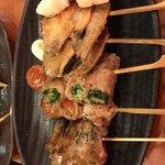 やきとり道場 - 野菜は豚バラ巻きでコチュジャン味噌?で食べます
