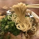 神戸ラーメン 第一旭 - 細ストレートの麺は、スープの絡み最高です!(2018.9.23)