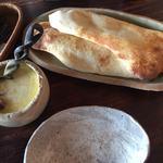 カレーハウス木里吉里 - チーズカレーセット ナン1枚追加