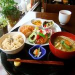 米の子 - 日替わり定食。