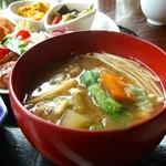 米の子 - お味噌汁は具沢山で感動します。