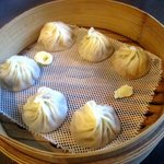 台湾料理 鼎 - 料理写真:小籠包三種盛り!