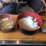 まつや - 定食のご飯・味噌汁・漬物
