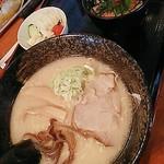 ラーメン虎鉃 - 料理写真:塩ラーメンセット イクラと鮭のミニ親子丼 +ミニサラダ