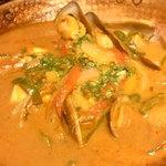 93266724 - 海の幸のカタプラーナはポルトガルの魚介鍋。海老の濃厚なスープが絶品❣️