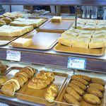 大友パン店 - 美味しそうなパンが沢山