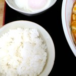 たんぽぽ - 麻婆麺(中太縮れ平麺)セット 1000円