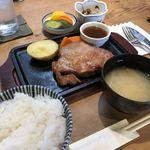 はしや - 料理写真:厚切りポークソテー 定食   林SPF豚200g 1580外  コーヒー付