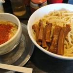 勢拉 - つけ麺(中盛)・極太黒メンマトッピング(ネギマシ、一味唐辛子い~っぱい)